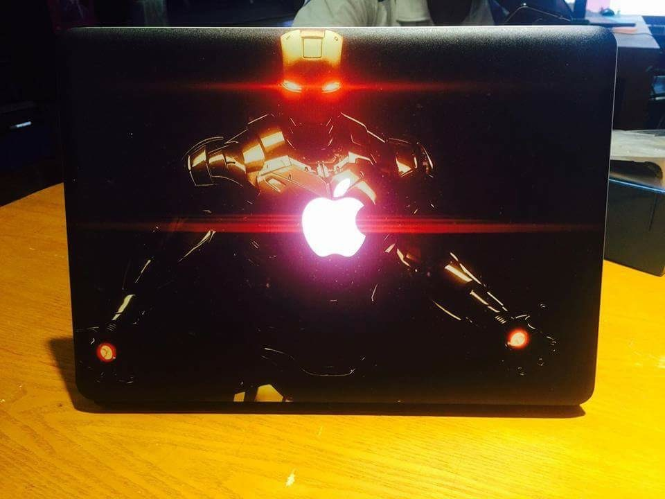 Macbook Pro MC700 Iron Man