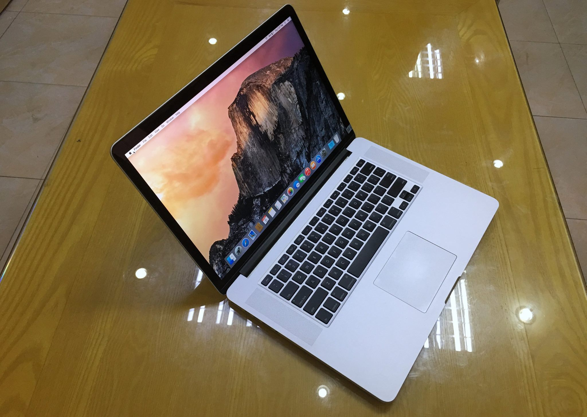 Macbook Pro Retina 15'' MC975