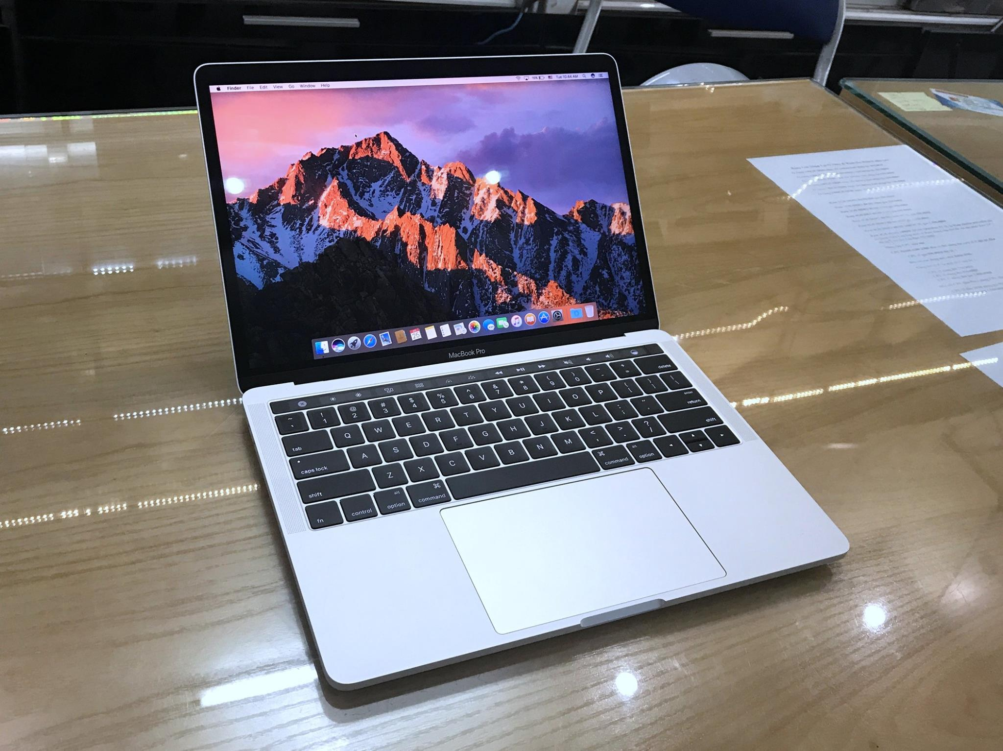 Macbook Pro Retina TOUCH BAR 13 BOT Core i7 3,3Ghz Ram 16GB