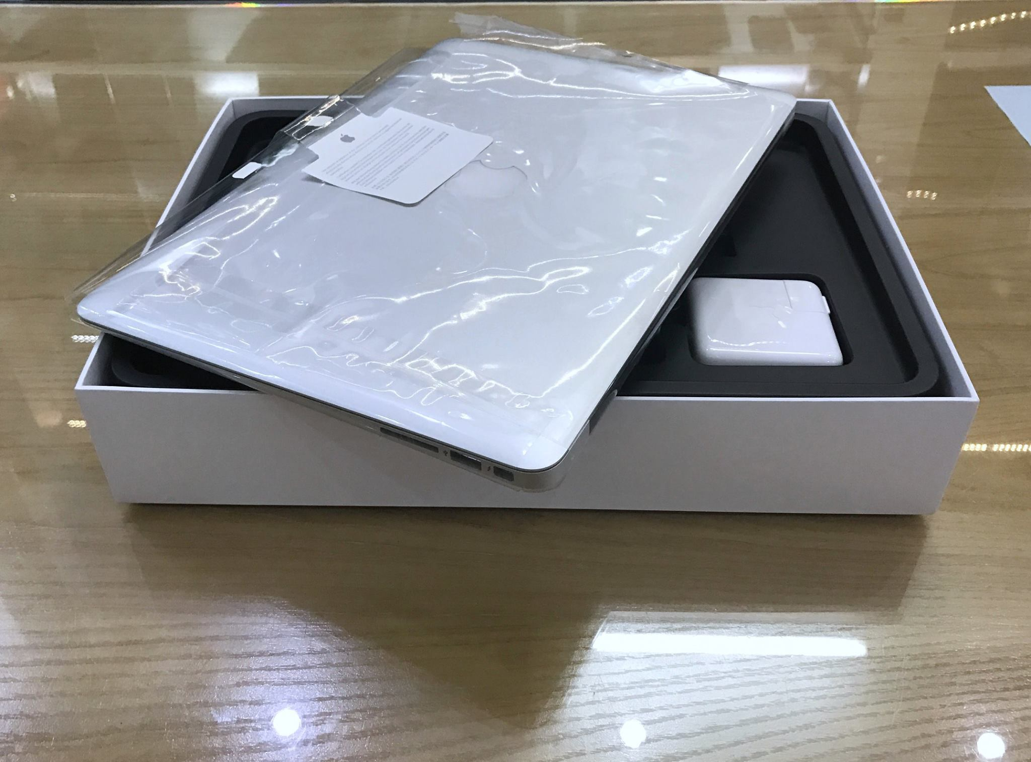 Macbook air MMGG2 2016 -9.jpg