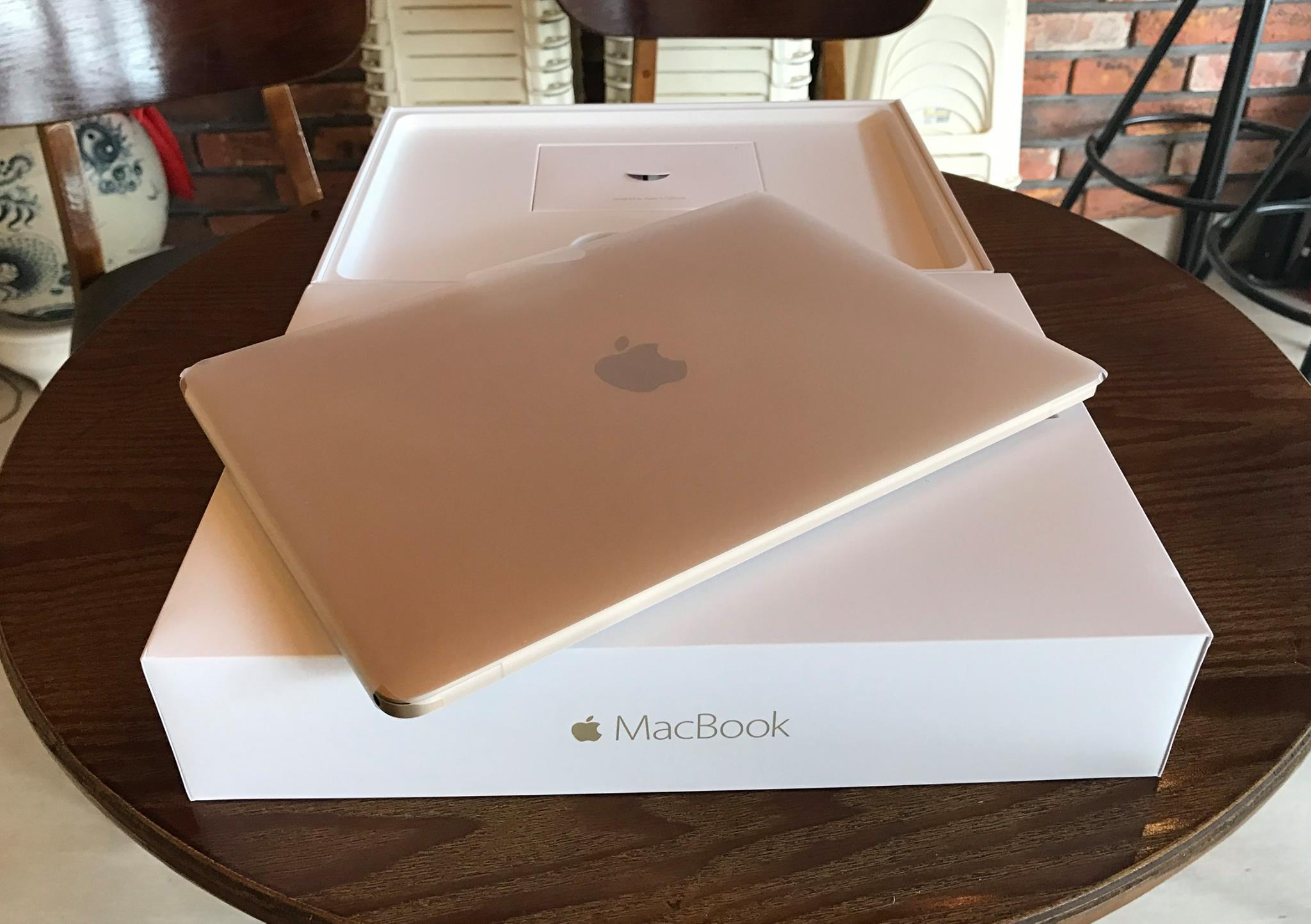The New MacBook Retina 2016 MLHF2 12 inches