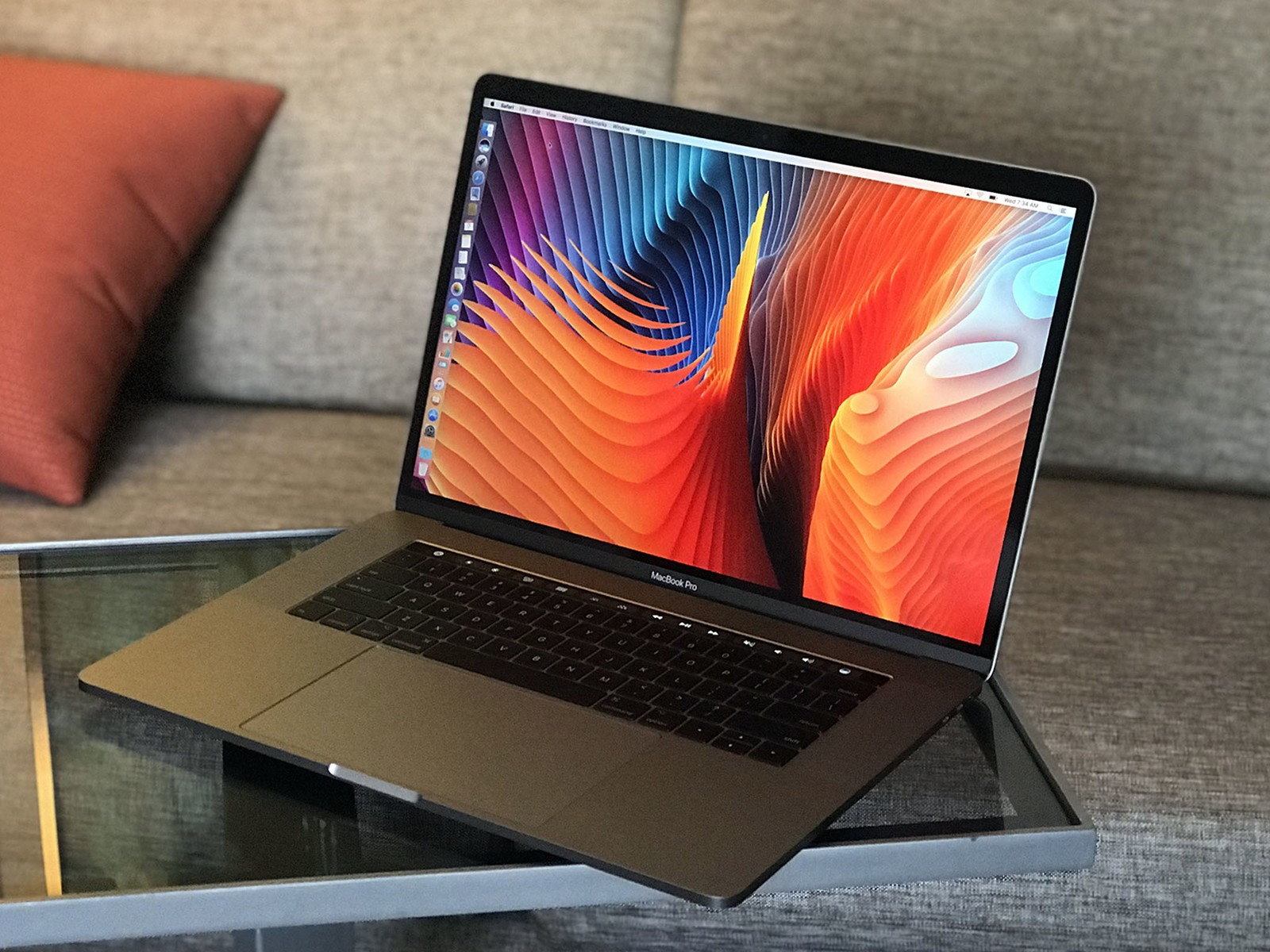 Macbook Pro 15 Touchbar MR952 Core i9 Ram 16GB Ổ 1TB