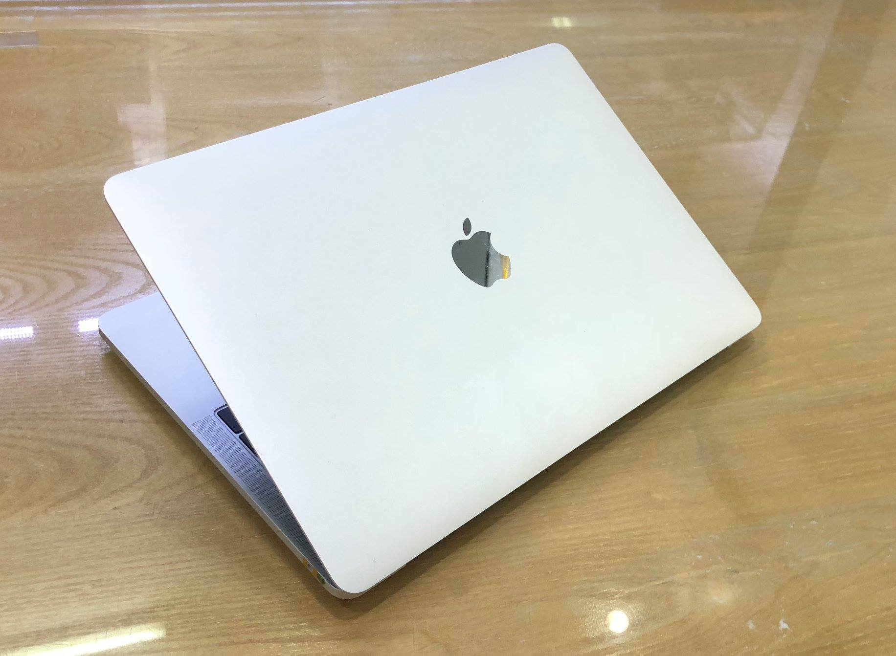 MACBOOK PRO 13IN MPXU2 SILVER -7.jpg
