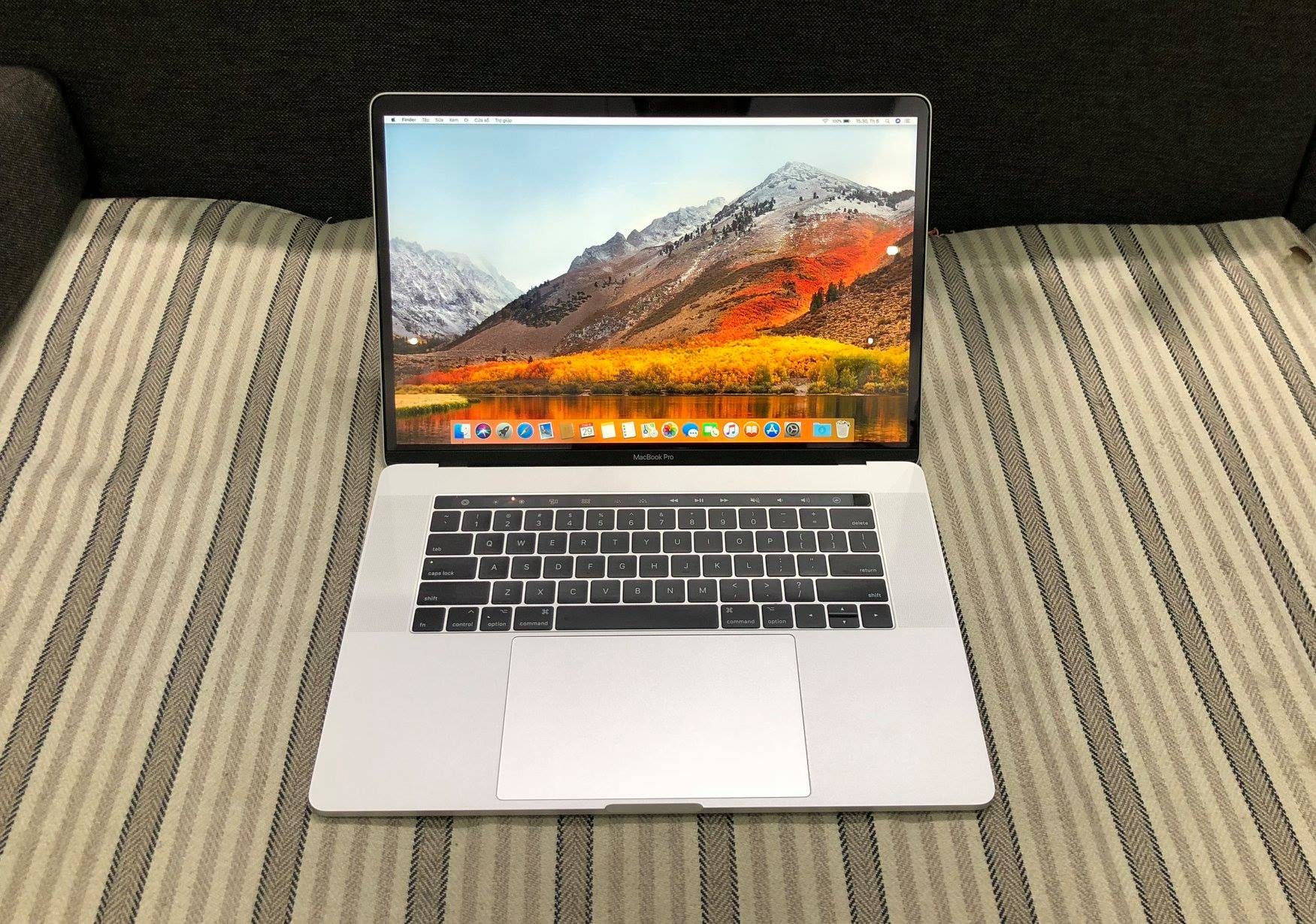 MacBook Pro 15in Touch Bar MR972 Silver- 2018