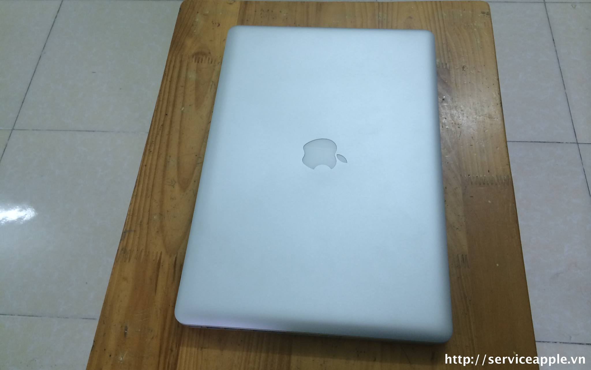 ban macbook pro md318.jpg