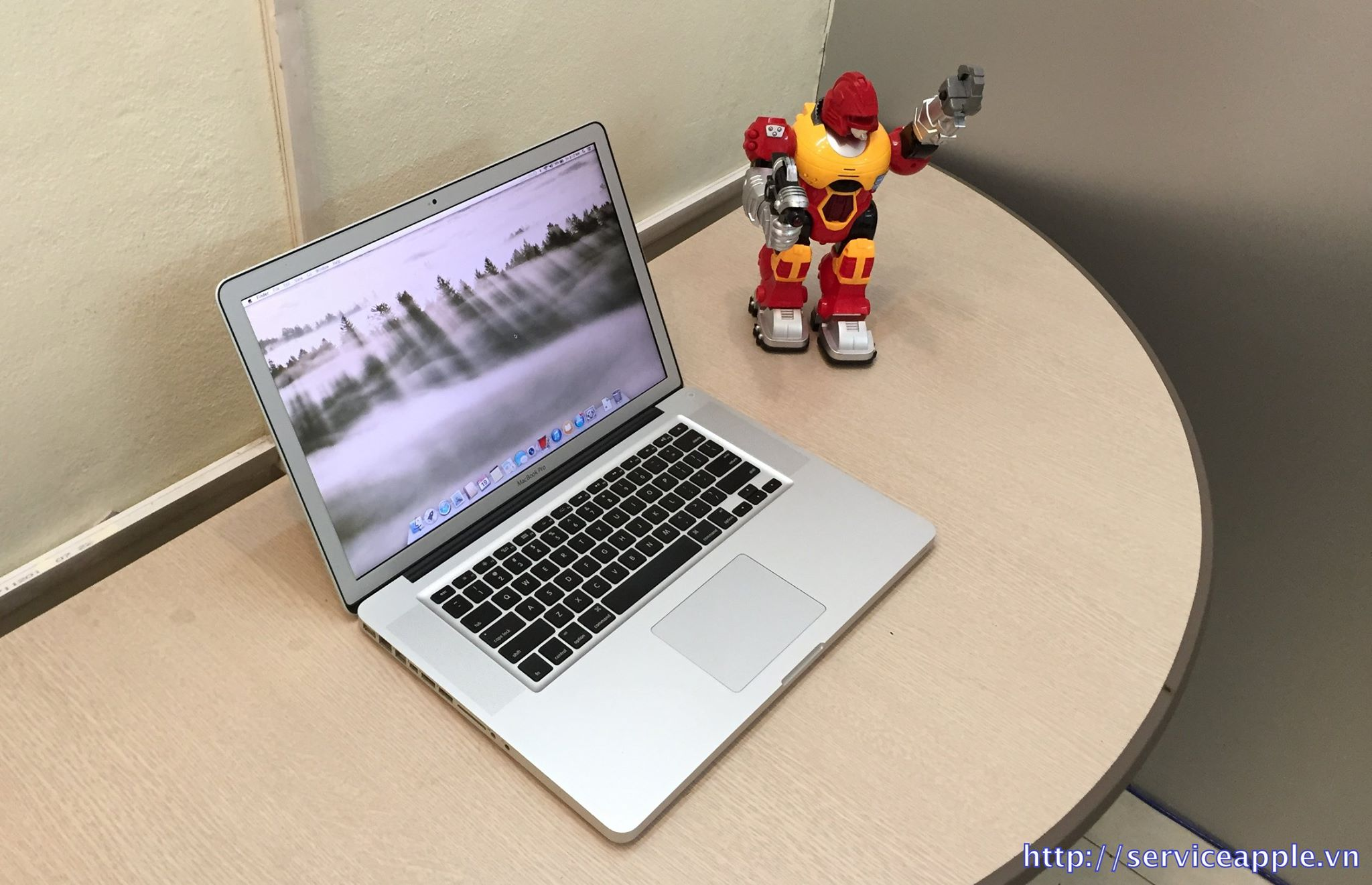 Macbook Pro MC723 Full Option.jpg