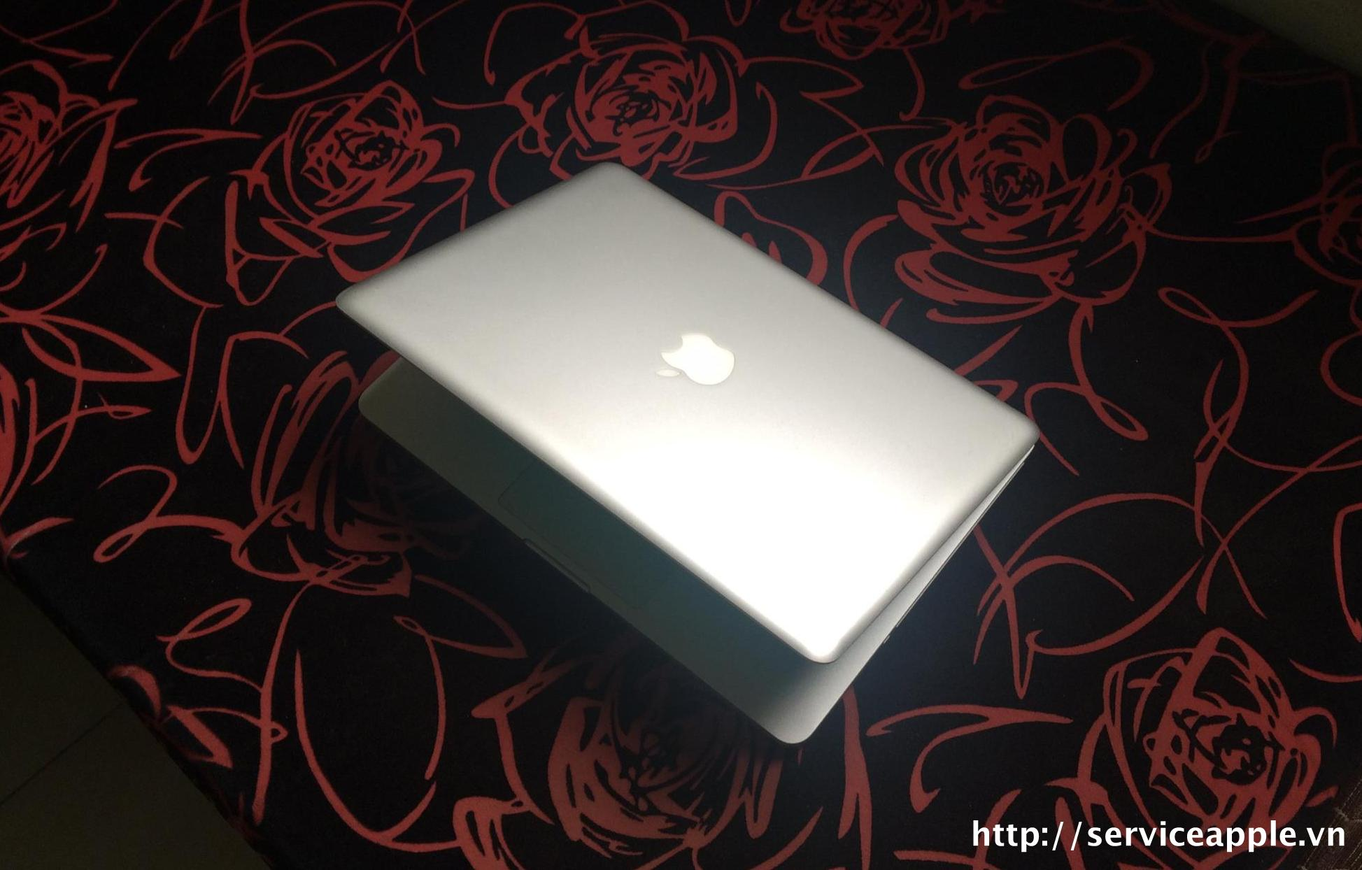 ban macbook pro mc724.jpg