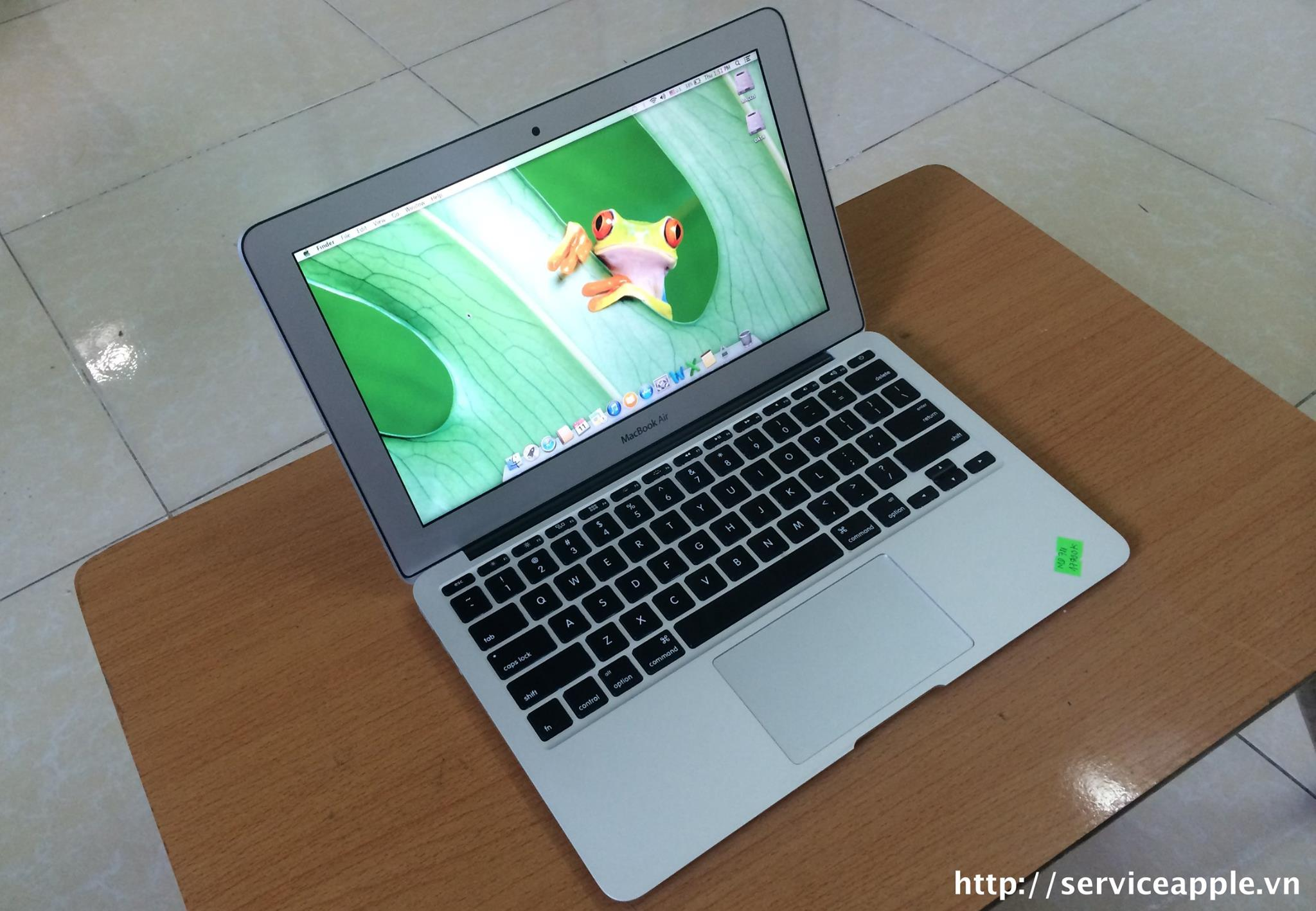 macbook air md711.jpg