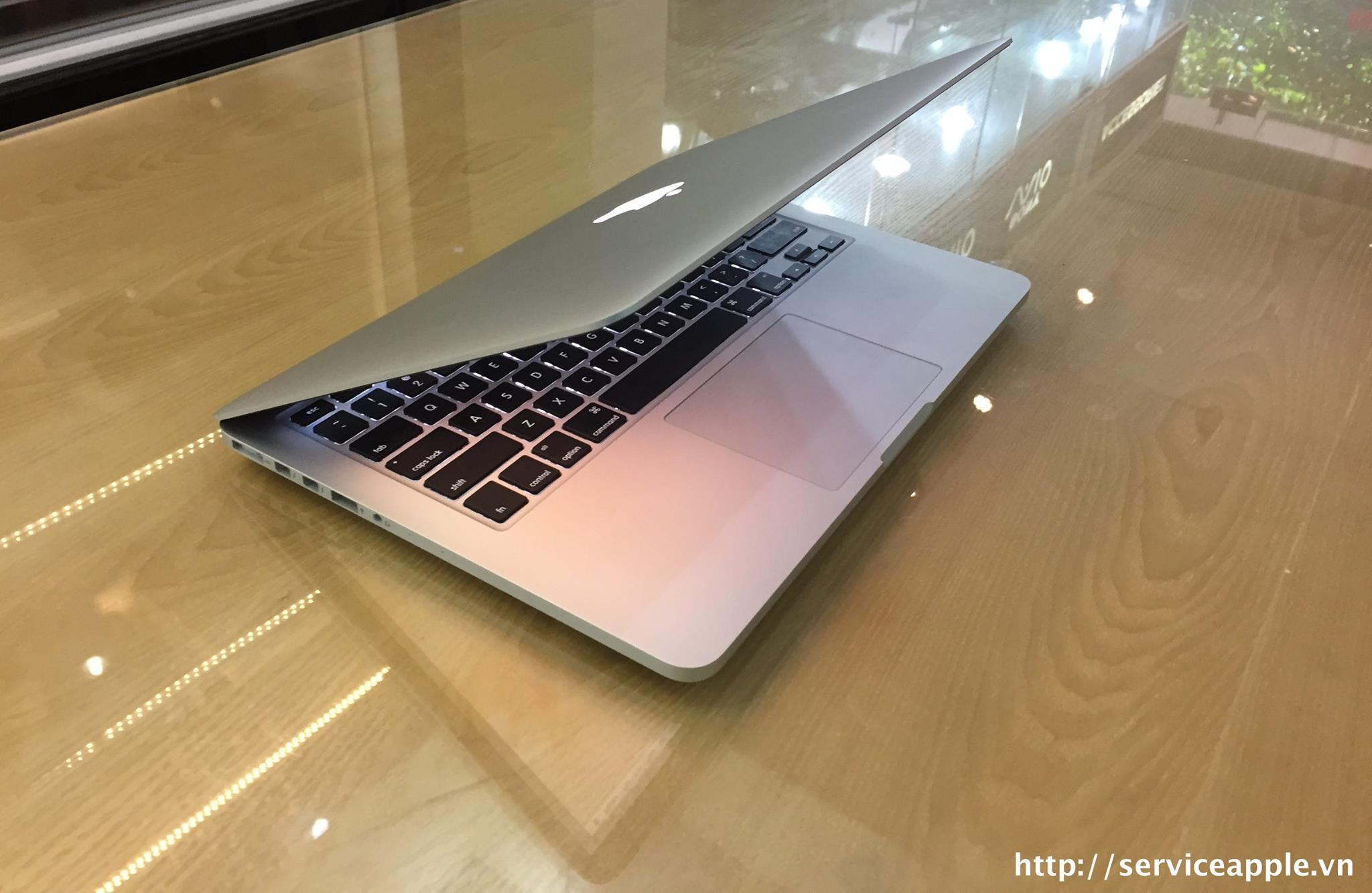 MacBook Retina model ME865_2.jpg