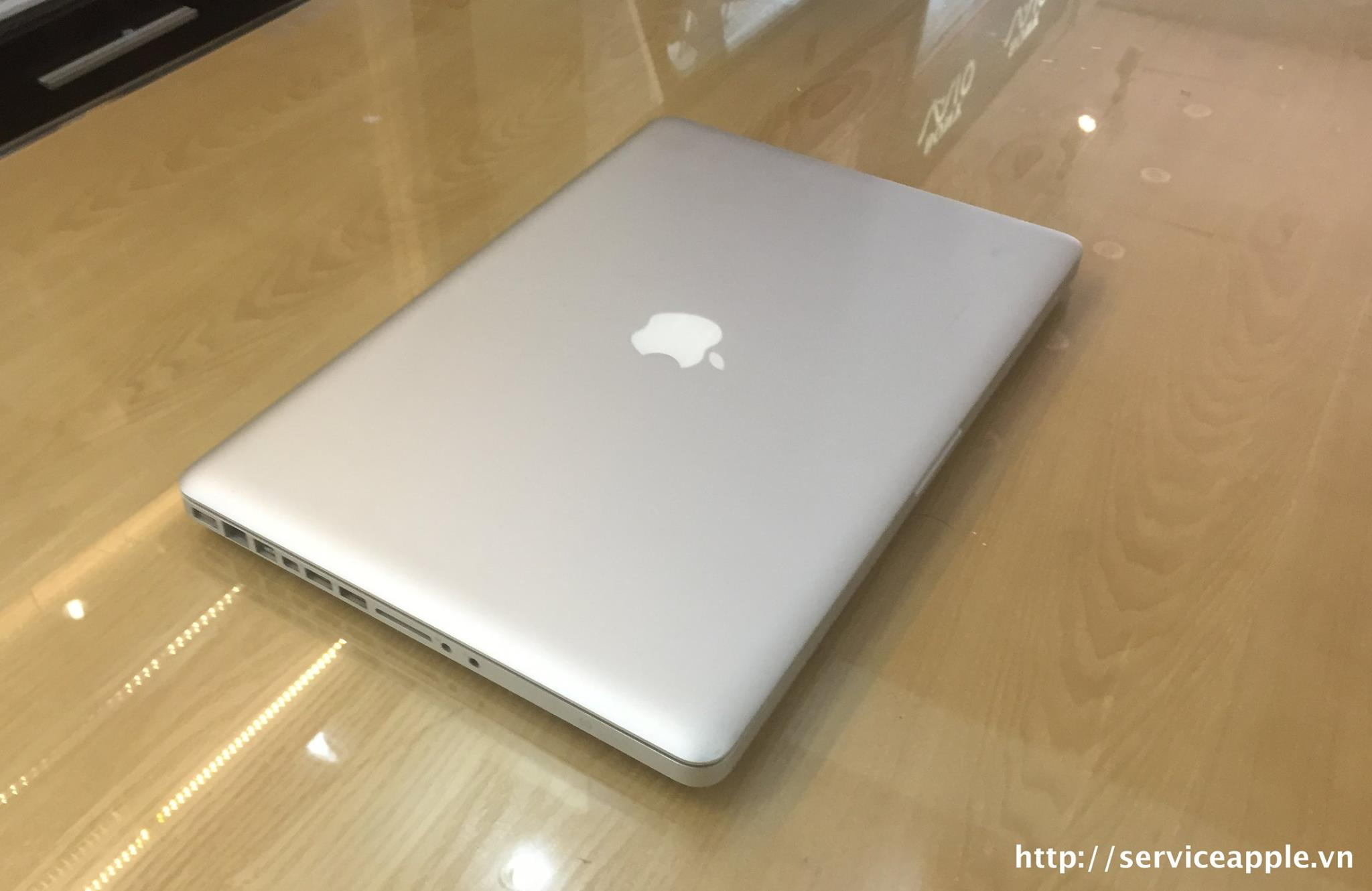 Macbook Pro A1286 MC985_3.jpg