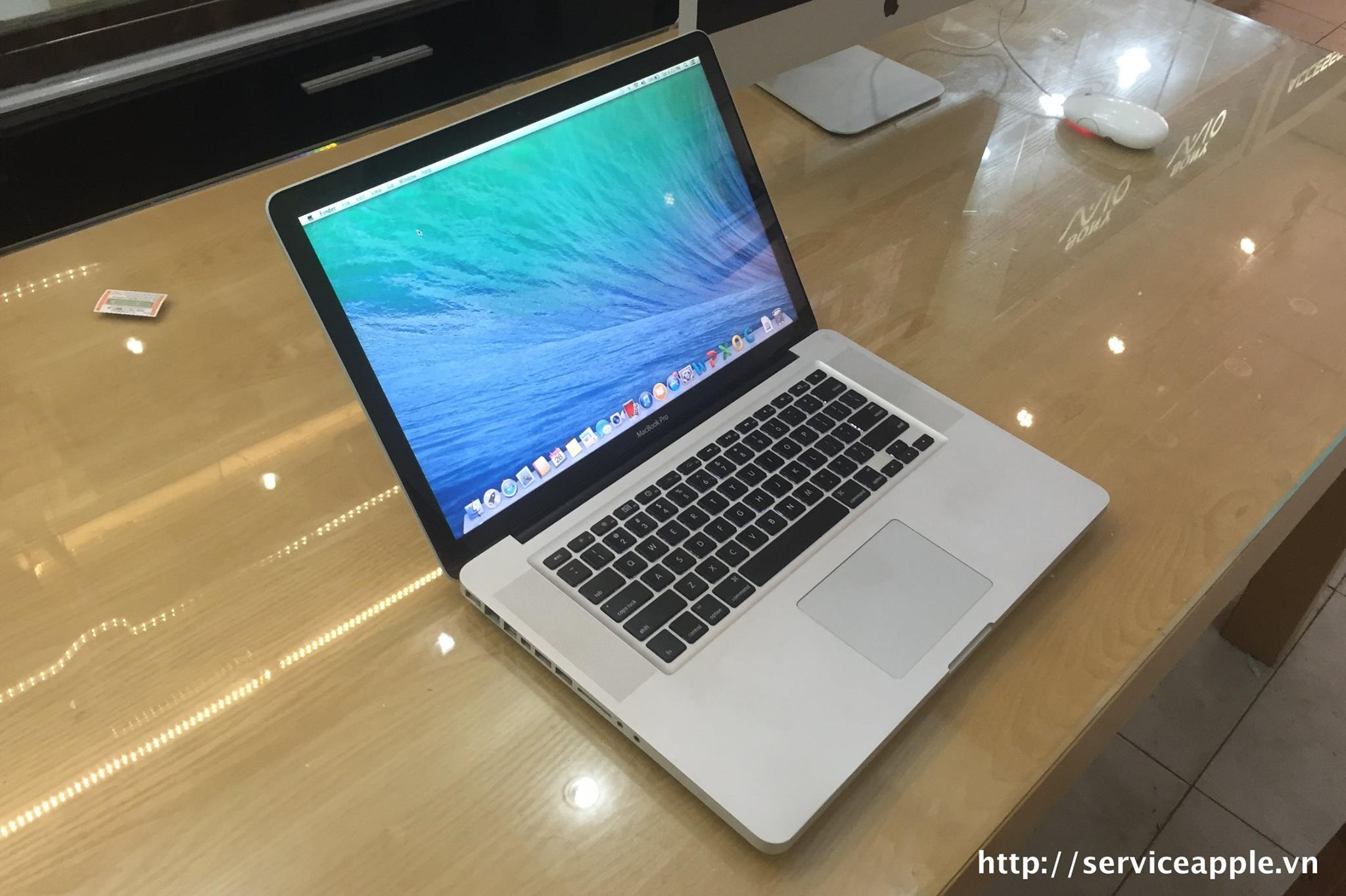 Macbook Pro MD104