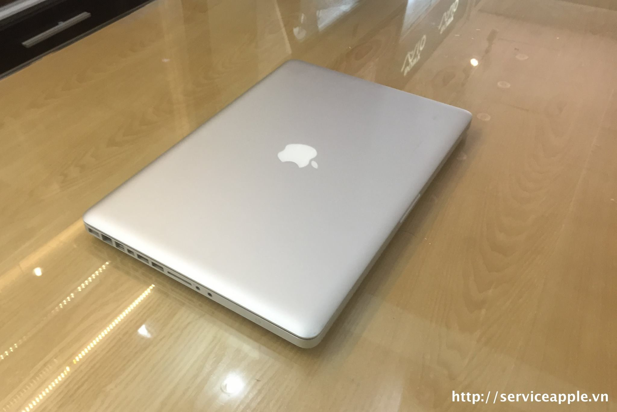 Macbook Pro MD104 _3.jpg