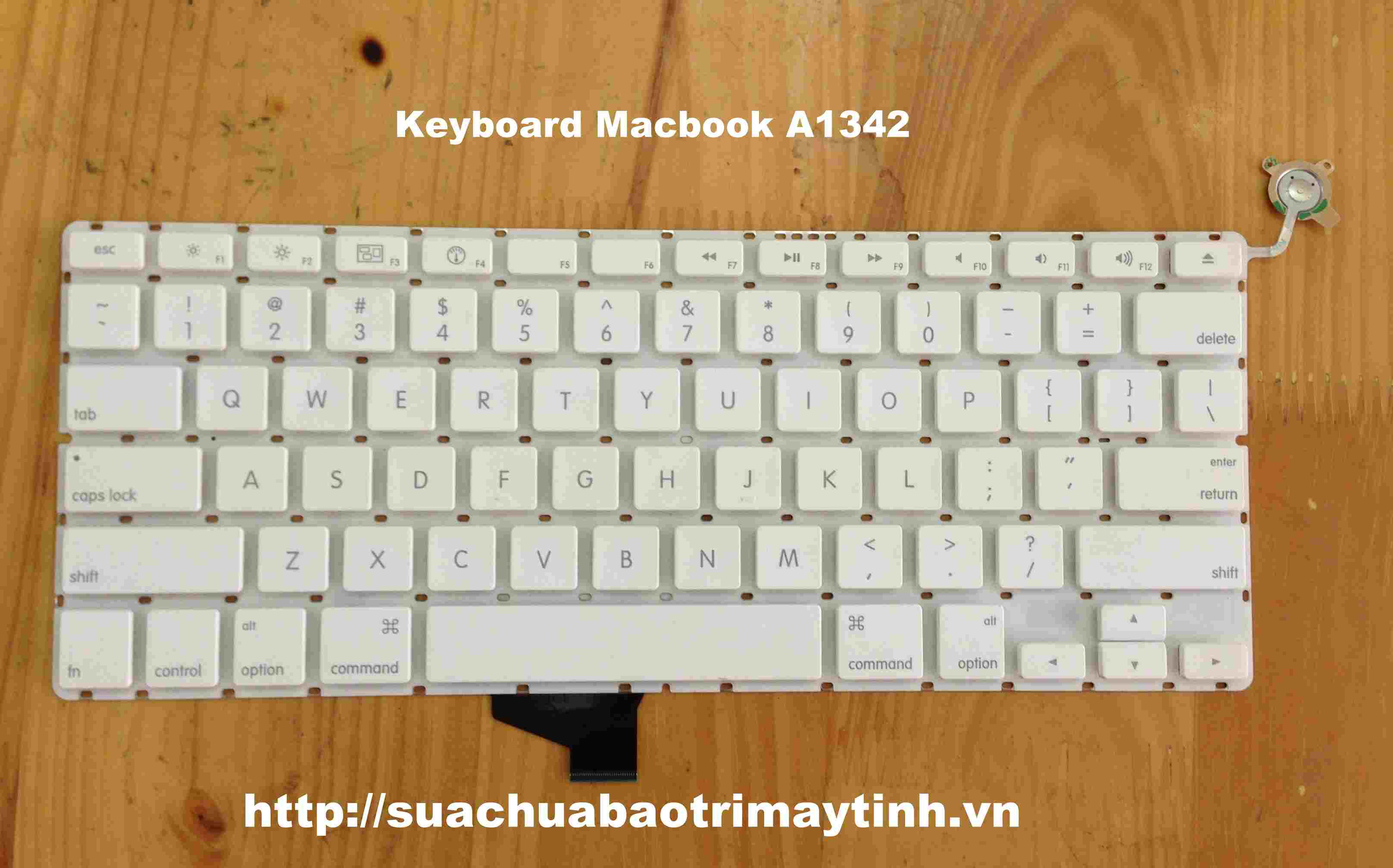 Keyboard Macbook A1342.JPG